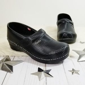 Sanita black clogs woven carbon professional 40